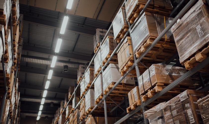 เทคโนโลยีคลังสินค้าอัตโนมัติ ตอบโจทย์ E-Commerce | Manuhub